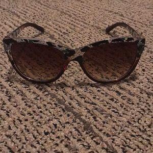 EUC Steve Madden Green Leopard Sunglasses